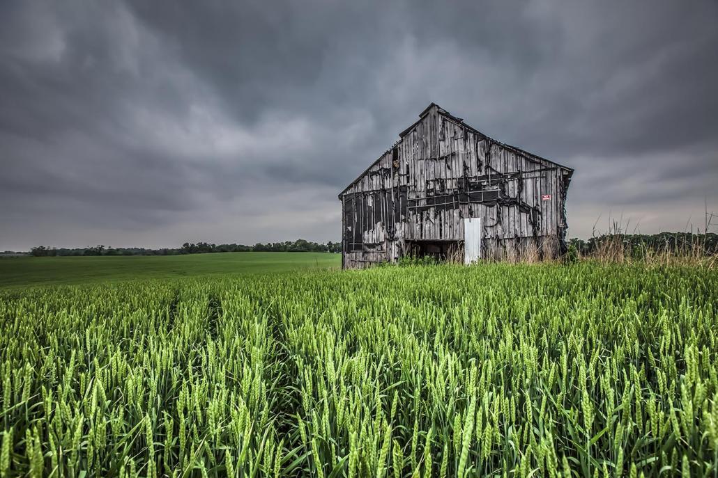 Clarksville barn 02.jpg